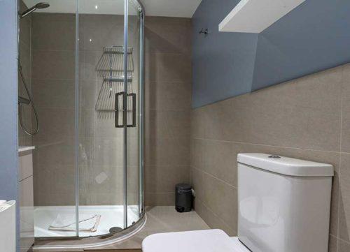 Badger Holiday Cottage Bathroom