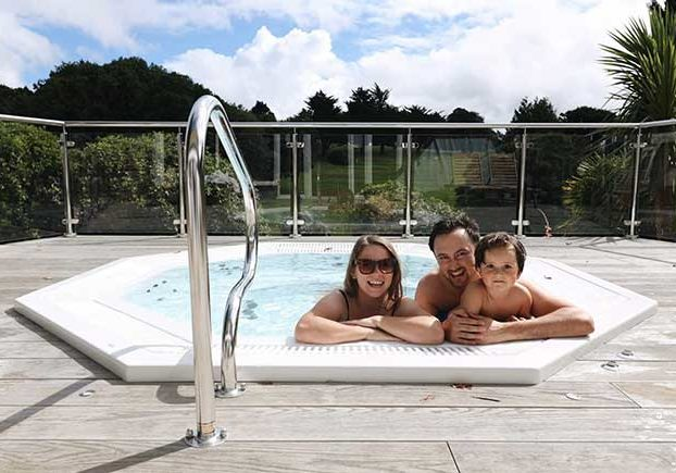 family-in-the-hot-tub
