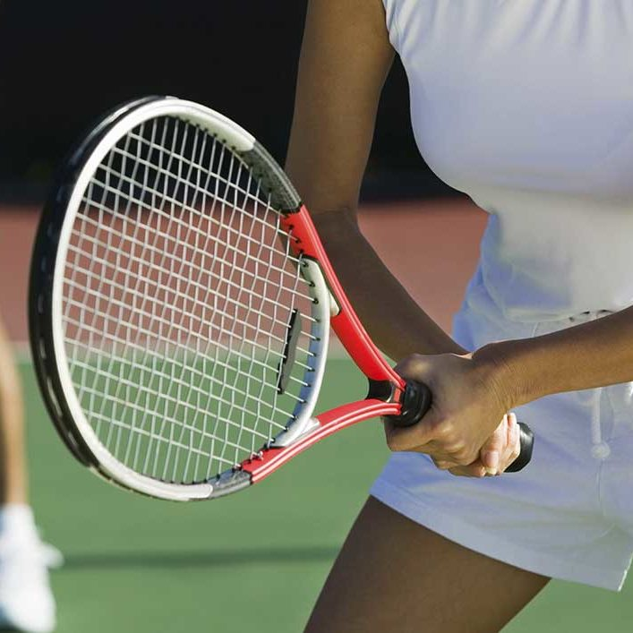 tennis-courts-at-Budock-Vean